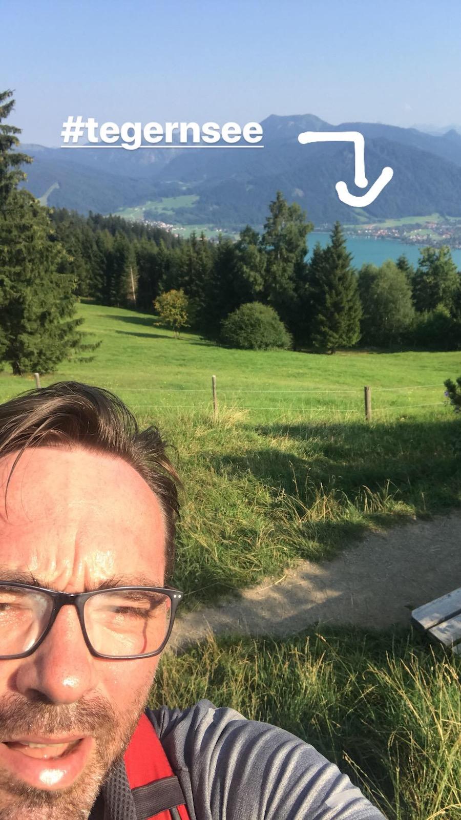 Selfie-Time mit #ganz-schön-verschwitzt-heibei (Bild ist aus meiner Insta-Story. Folgt mir da, drückt ein Däumchen und schreibt mir in den Comments, wie euch meine hohe Stirn gefällt!))